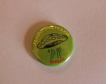 flying saucer Funny Face House buttons