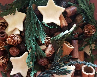 Cinnamon Spice (Christmas Cravings)  Potpourri  -  primitive bowl fillers ~  with refresher oil