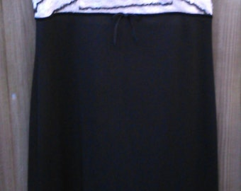Vintage Size 16 Black and White Empire Line Dress 1960s