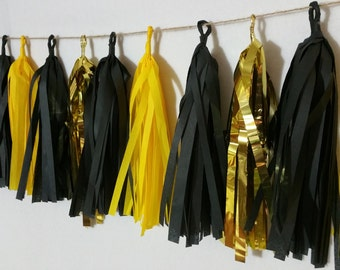 Iowa Hawkeyes, 20 Tassel Star Wars Tissue Paper Garland, Football Party Decorations, Birthday Party, Black and Gold, Balloon Tassels, Poms