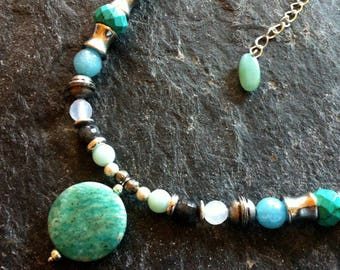 * Stone Amazonite necklace, Labradorite, Agate, Jade, Opal, Howlite, kyanite, Jade and metal beads