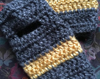 Hufflepuff // Harry Potter Fingerless gloves, crochet