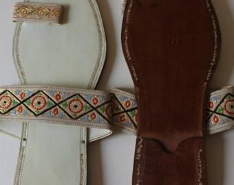 Vintage White Leather Toe Strap Slide Sandal Shoes Leather Sole  Flat Indian Asian Ethnic Hippie Sandal Festival Shoes