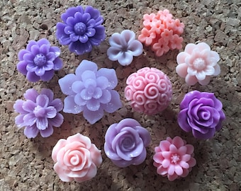 Flower Thumbtacks* Set of 12 - (#201) dorm decor, hostess gift, weddings, bridal shower, baby shower, gift, teacher gift