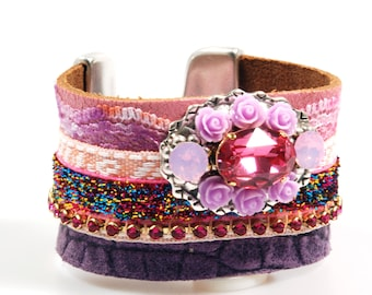 Lleather cuff bracelet pink purple, bohemian style - wide bracelet in Ibiza style with ribbon, lace, Swarovski and roses, handmade jewelry