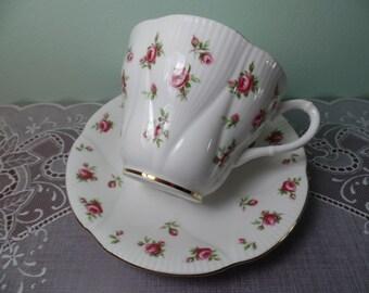 Royal Albert Rosalie Teacup & Saucer - Royal Albert - Teacup - Teacup And Saucer - Kitchen - Bone China - Vintage - Roses - Tea Cup - Gift