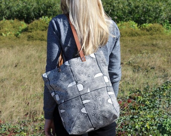 Con Geo Block Printed Tote Bag