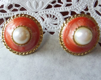Vintage Round Gold Tone Coral Colored Clip On Earrings with Faux Pearl Center Stone