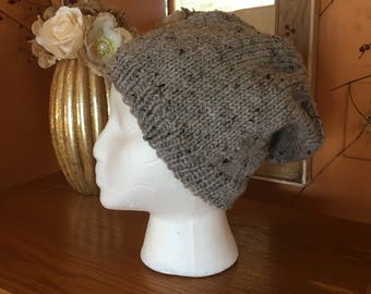 Light heather gray slouchy hat
