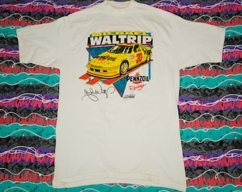Vintage 1990s SHELBY COBRA 1992 National Convention Neon Pink T-SHIRT Size Medium Racing Nascar Mustang x4dmq4w