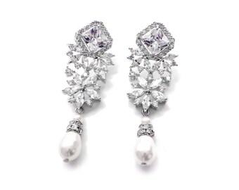 Bridal chandelier earrings, bridal accessories, pearl earrings, pearl drop earrings, pearl wedding earrings, pearl chandelier earrings