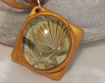 Necklace in Brown with shell and gull
