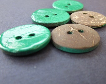 5 Bright Green Painted Coconut Buttons