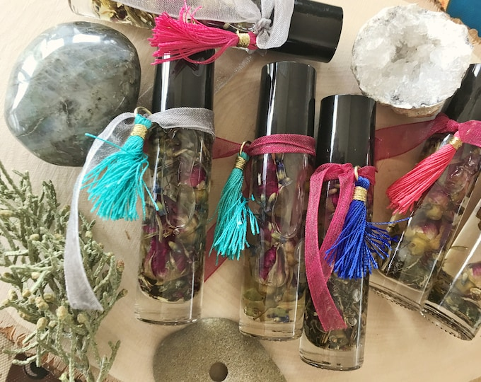 Orisha Yemaya Goddess Oil, Love, Power of the Sea, Protection, Blessing Oil, Madre del Mar, 10 ml, Quartz Crystal Point