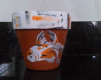 Hand painted 4 inch fantail goldfish terra cotta flower pot/ fantail goldfish flower pot/decorative flower pot