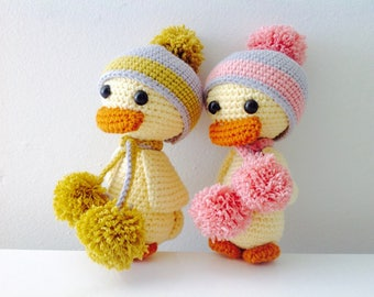 Ugly Duckling GIFTBOX with Personalised Gift Tag, Crochet Duck Crochet Duckling, Amigurumi Duckling Toy, Birthday gift, Baby Shower Gift