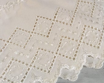 Vintage twin flat and fitted sheet, off-white vintage sheet, embroidered sheet