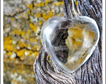 Natural Clear Quartz ~ Puffy Heart ~ Stone. Meditation Stone. Home Decor. Gift for Friend or Amour. Self Love. Bohemian Wanderlust Amulet.