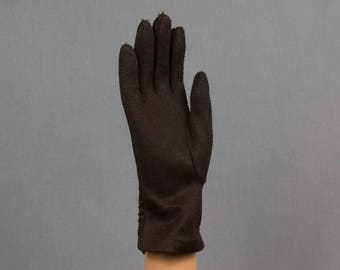 Chocolate brown gloves Nylon Very smooth on inside  Vintage 8 1/2 inches long 3 inch palm Excellent condition