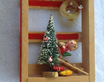 Vintage Picture Frame Christmas Ornament with bottle brush tree and wreath