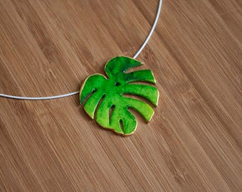 Tropical leaf green Necklace
