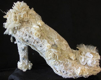 Shabby chic/ Victorian shoe pin cushion