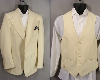 Easter Jacket. NOS. Off White 2pc Suit. Vintage 70s 80s Fioravanti Jacket and Vest. Never Worn. size 38 Long. or Customizable Zombie Costume