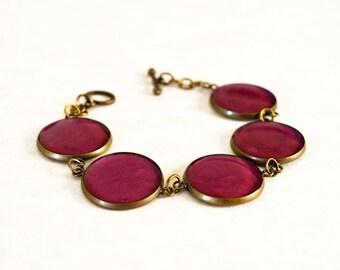 Metallic magenta resin bracelet / Vintage style bracelet / Cute purple bracelet / Summer gift for her / Whimsical bracelet / FREE SHIPPING