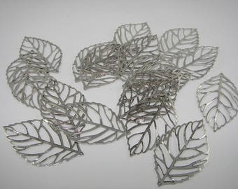 """""""Leaf"""" cut oxidized silver-plated charm. (6531905)"""