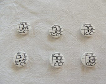Fancy button pattern school width 15mm round