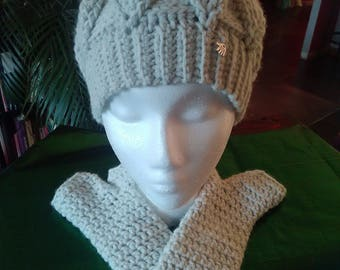 """Set """"leaves"""" and hat mittens 100% handmade"""