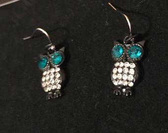 Distinguished Styles8 Owl Earrings