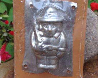 Vintage Metal Tin Chocolate Mold Flat Hunter Sealed