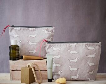 Dachshund Wash bag - Dachshund Gift - Smooth Dachshund - Wirehair Dachshund - Sausage Dog Gift - Doxxie Gift - Toiletry Bag - Cosmetic Bag