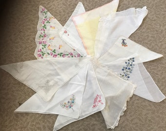 Collection of 10 vintage hankies / handkerchiefs in assorted colors, styles, and sizes. #935