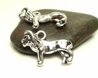 Bulk 24 Lion Charms ( 3D and Double Sided ) - Antique Silver Tone Metal - 24x16mm - Wildlife Animal Charms - BP8