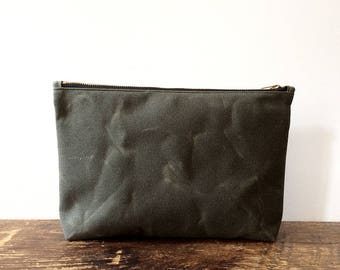 Dark Olive Utility Pouch, Waxed Canvas Pouch, Waxed Canvas Bag, Minimalist Style, Large Pouch, Zipper Pouch, Travel Pouch, Everyday Carry