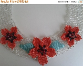 ON SALE Necklace Beaded Necklace Fleur rouge