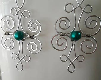 Hand Shaped Wire Earrings with Green Center