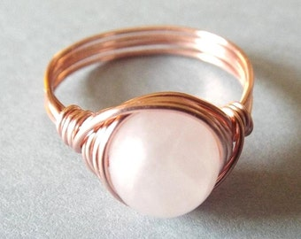 Rose Quartz Ring Rose Gold Ring Crystal Ring Pink Stone Ring Rose Quartz Jewelry Wire Wrapped Ring Ring for Girlfriend Mom Jewelry Light