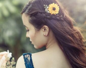 Sunflower Comb, Sunflower Wedding, Sun Flower Hair Clip,  Large Sunflower, Wedding Comb, Bridesmaids Comb, Woodland Rustic Fall Wedding Comb