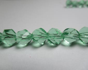 5 Helix beads green faceted Crystal 8 x 7 mm