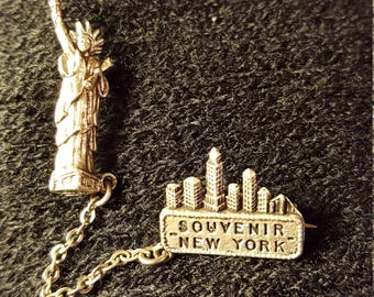 Awesome collectable!! Statue of liberty souvenir pin.. Silver tone .