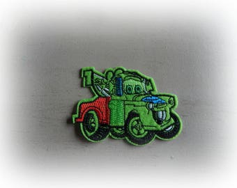 applique / patch green truck iron-on or sew 8.5 * 6 cm