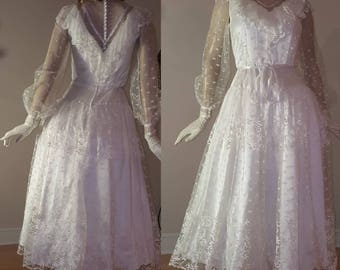 1970s ruffle lace wedding dress Victorian style long lace sleeve gunne sax style High collar country wedding romantic lace dress bohemian