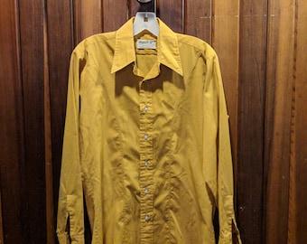 1970s // CARNABY STREET // Vintage Arrow Mach II Mustard Button Down