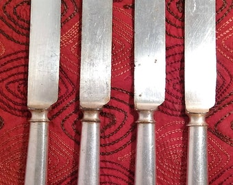 Meriden Cutlery Co est. 1855, 12 Set of 4 silverplate dinner/butter knives