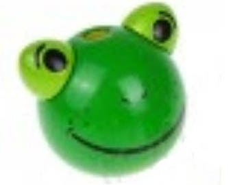 wooden bead green frog