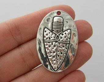 1 Arrow head pendant antique silver tone G81