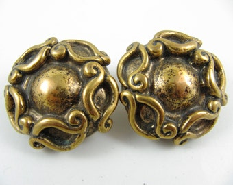 """Vintage 80' Large 1.5"""" Across Chunky Gold-Plated Clip-on Earrings"""